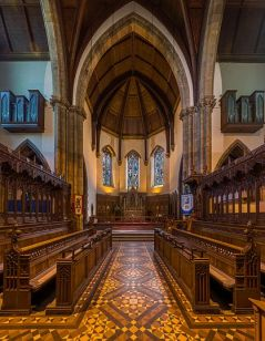 Inverness_Cathedral_Choir,_Scotland,_UK_-_Diliff